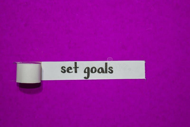 Ustawia cele, pojęcie na purpura drzejącym papierze, inspiracji, motywacji i biznesu, obrazy royalty free