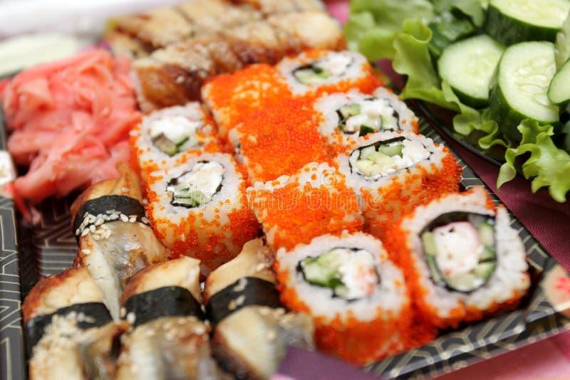 ustawia suszi uramaki zdjęcie royalty free