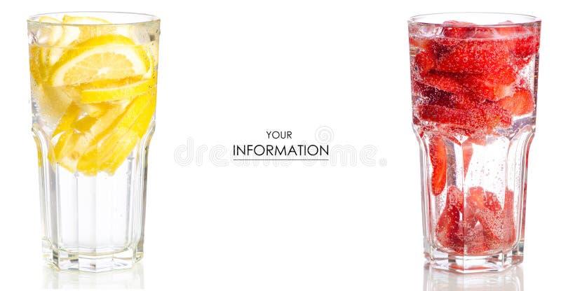 Ustawia szkła z lemoniada miękkich napojów cytryny truskawką zdjęcie royalty free