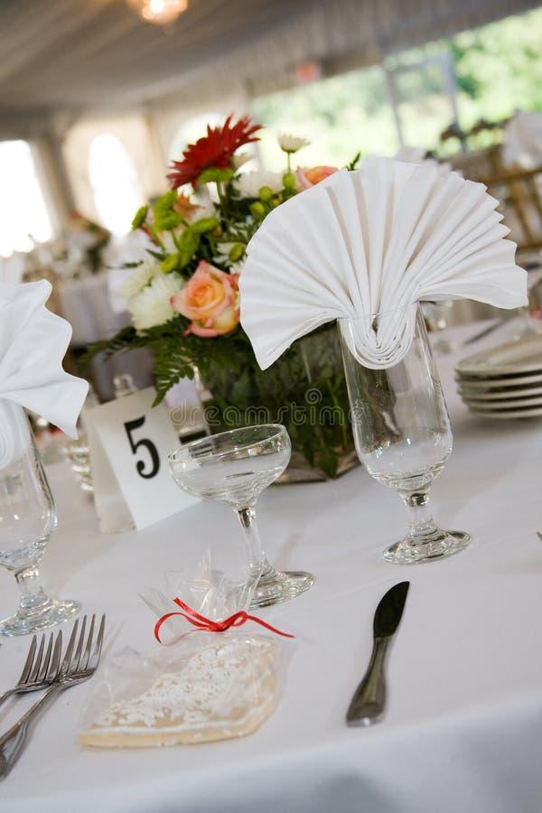 ustawienie tabeli ślub na kolację obraz royalty free