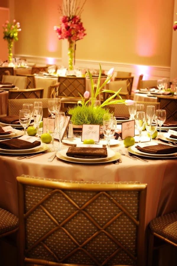 ustawienie tabeli luksusowy przyjęcie ślub obraz royalty free