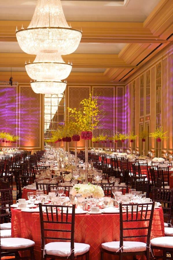 ustawienie tabeli luksusowy przyjęcie ślub zdjęcia royalty free