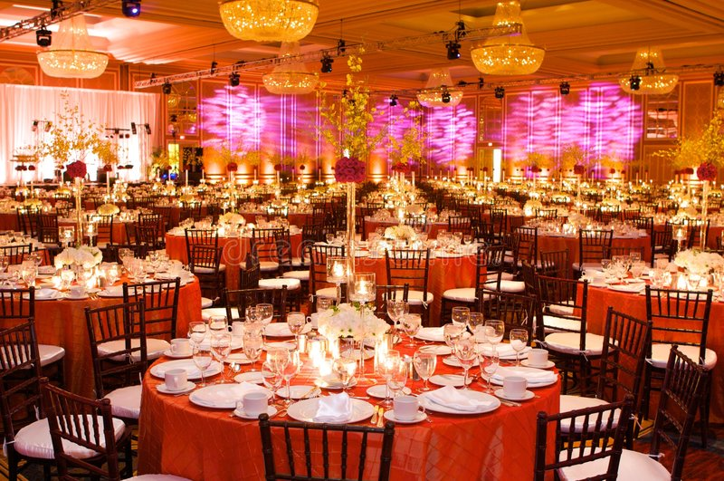ustawienie tabeli luksusowy przyjęcie ślub zdjęcie stock