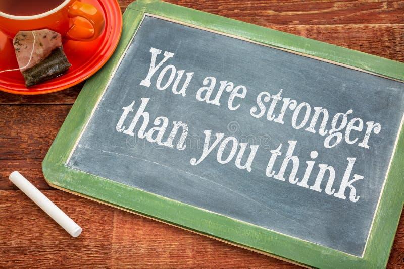 Usted es más fuerte - mensaje del motivaitonal imagen de archivo libre de regalías
