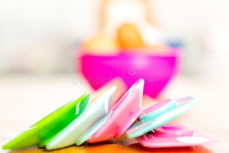 Ustensiles colorés de cuisine image libre de droits