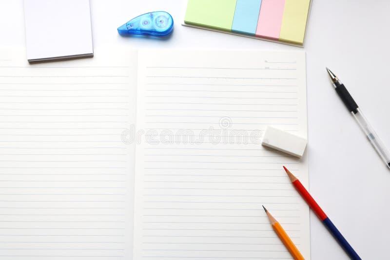 Ustensiles de carnet et d'écriture image libre de droits