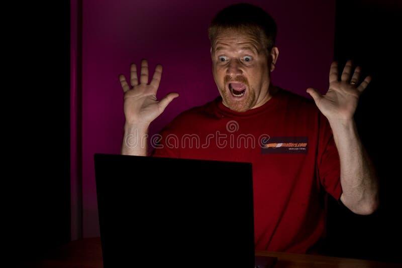 Usuário do caderno que olha choc fotos de stock royalty free