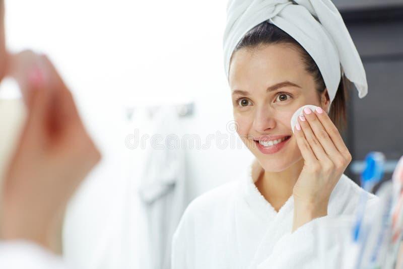 Usuwać makeup fotografia royalty free