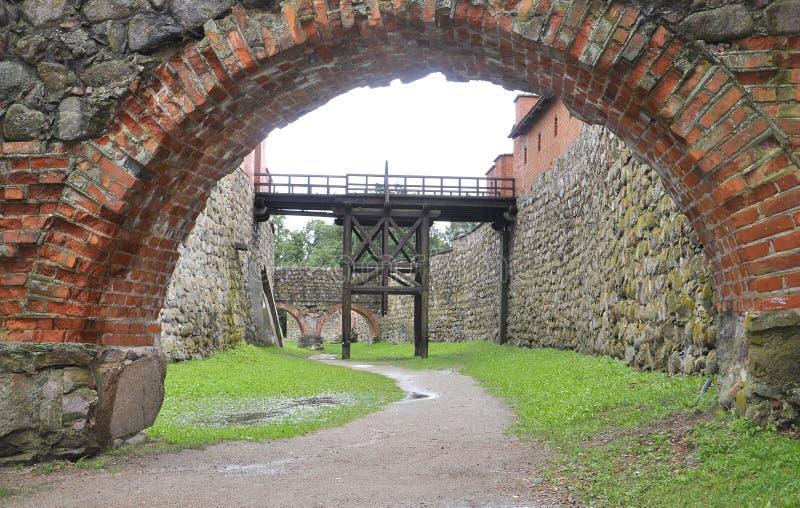 Usuwalny most Średniowieczny fort Trakai w Lithuania fotografia royalty free