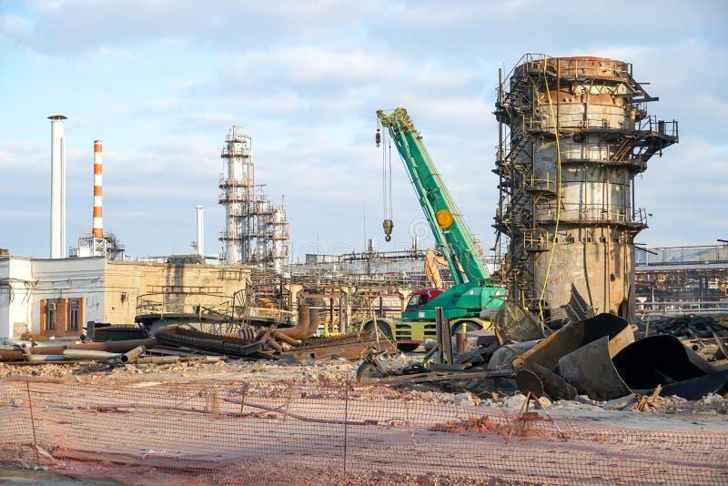 Usuwanie technologiczna instalacja dla manufaktury lekcy produkt przerobu ropy naftowej przy rafinerią w Rosja obraz royalty free