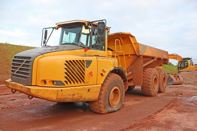 Usyp ciężarówka z płaską oponą zdjęcie royalty free