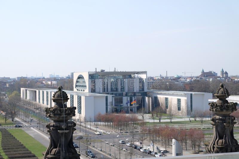 Utövande filial Bundeskanzleramt som bygger Berlin royaltyfri foto