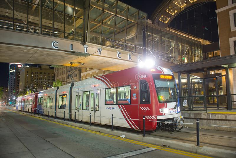 UTA Light Rail i Salt Lake City, Utah, USA royaltyfri fotografi