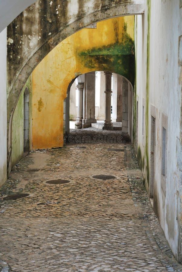 Utanför den kungliga slotten av Sintra arkivbilder