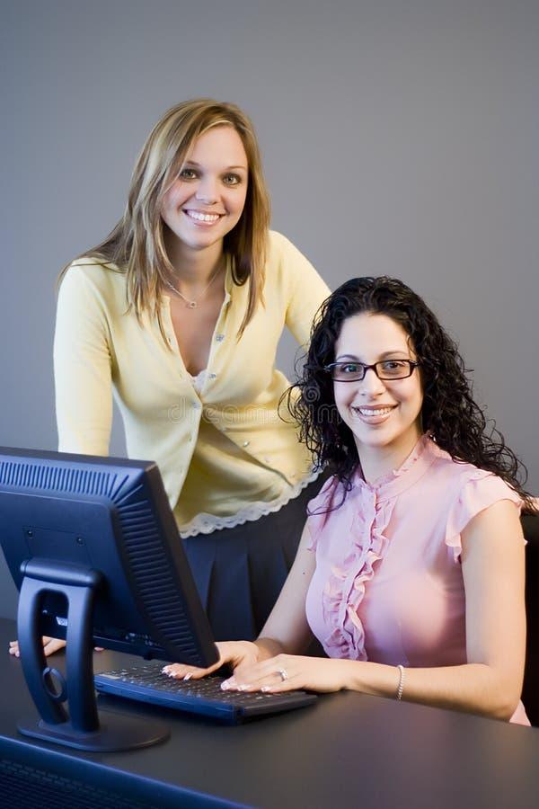 Download Utbildning av III fotografering för bildbyråer. Bild av kvinnor - 521801