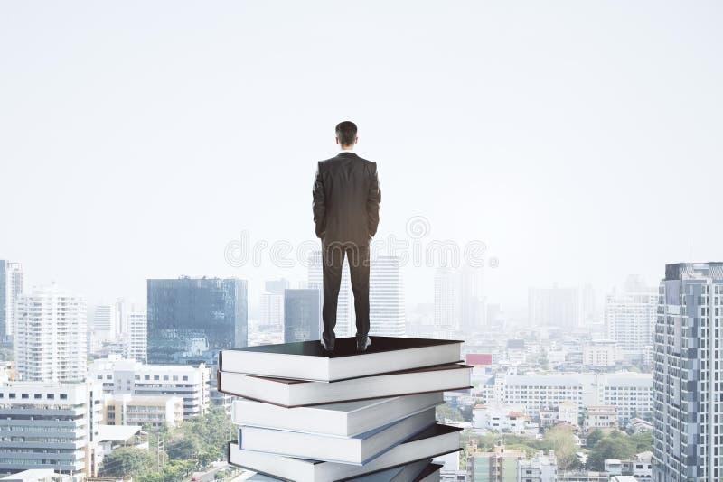 Utbildning och litteraturbegrepp royaltyfria bilder