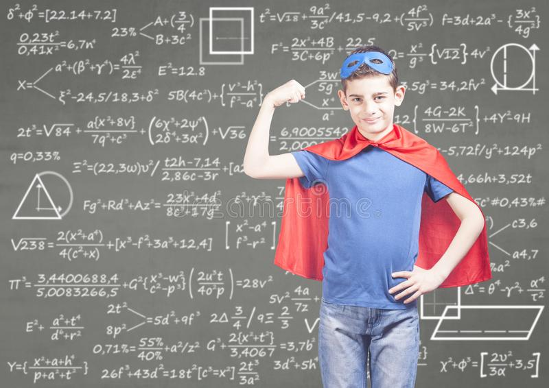 Utbildningsbegrepp med den toppna hjälten arkivbild