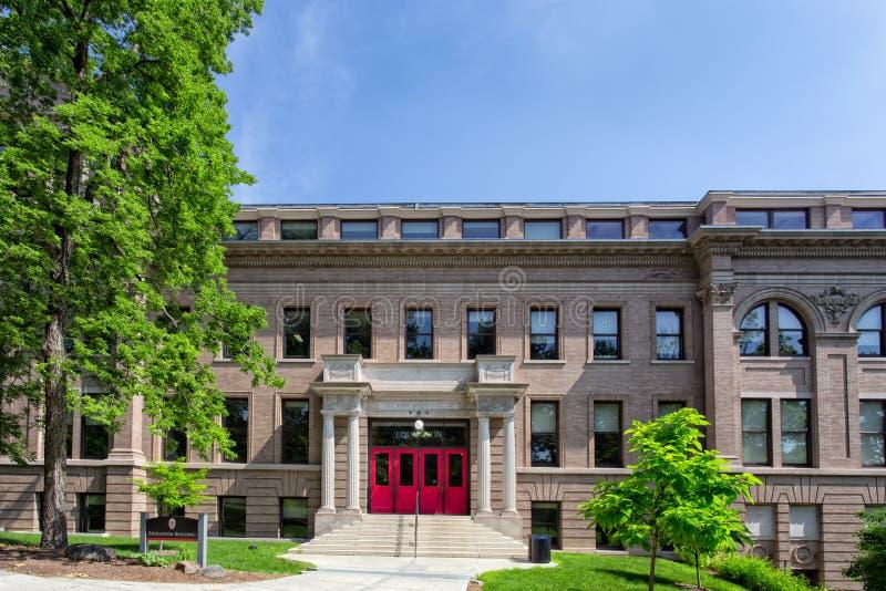 Utbildningsbyggnad på universitetet av Wisconsin-Madison royaltyfri foto