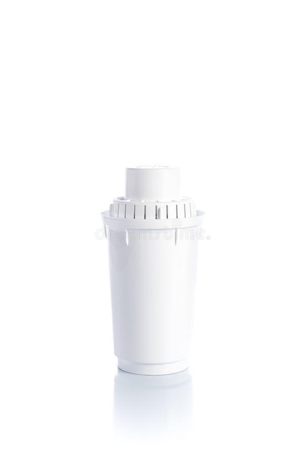 Utbytesvattenfilter på vit bakgrund med reflexion arkivfoton