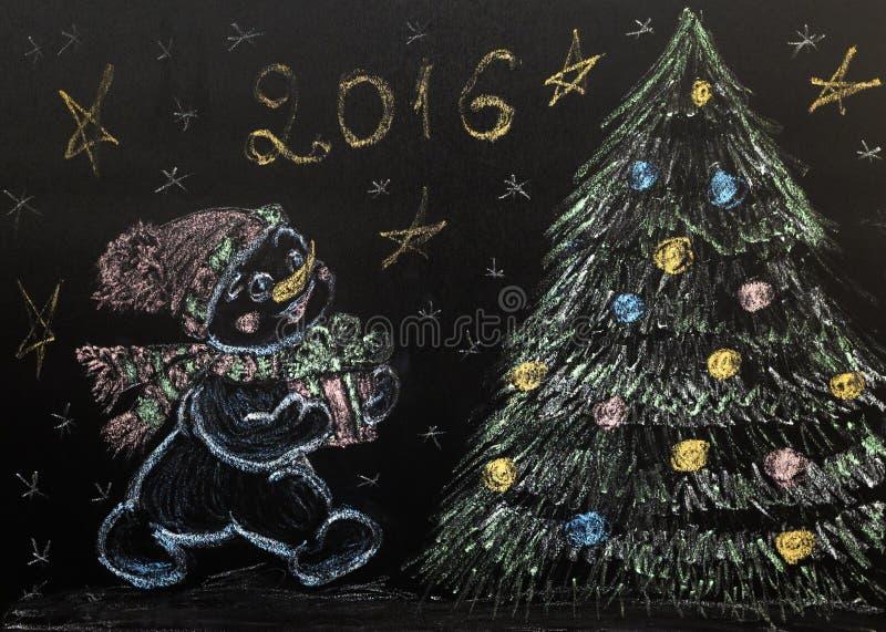Utdragen snögubbe med en julgran på en svart bakgrund handgjort arkivfoton