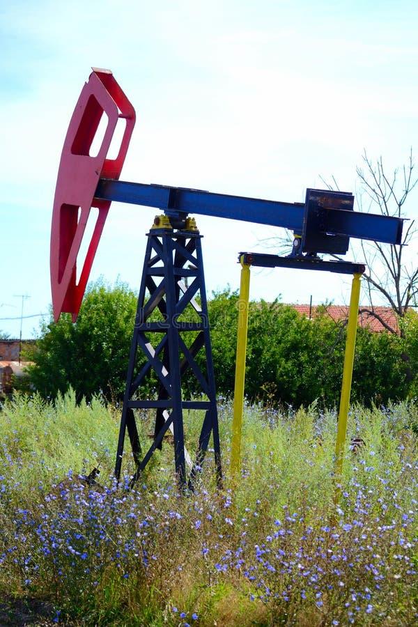 Utdragning av den Tyulenovo för olje- pumpar Bulgarien arkivfoton