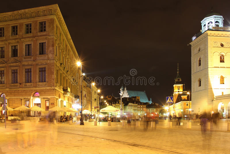 Uteliv i slott kvadrerar. Warsaw. Polen arkivfoto