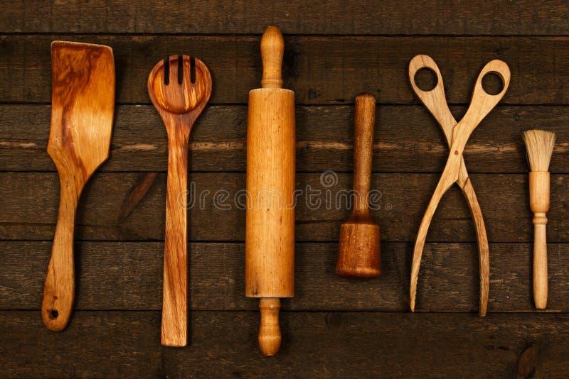 Utensílios de madeira da cozinha imagens de stock royalty free