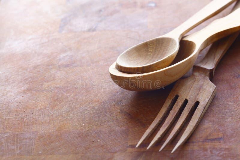 Utensílios de madeira Handcrafted da cozinha fotografia de stock royalty free
