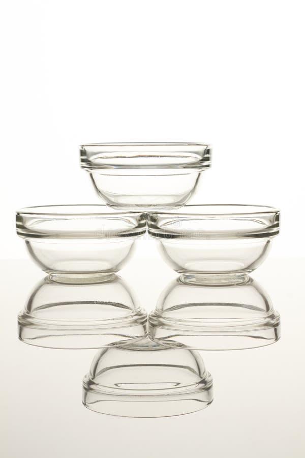 Utensílios de vidro da cozinha da bacia de salada imagem de stock