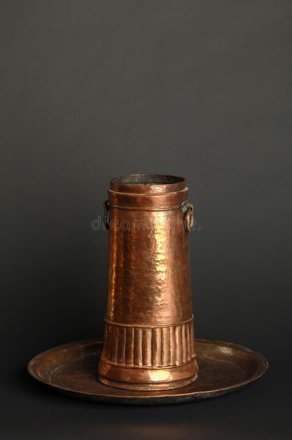 Utensili antichi del metallo immagini stock libere da diritti