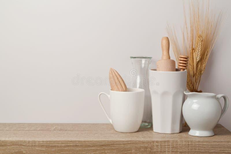 Utensili e stoviglie della cucina fotografia stock