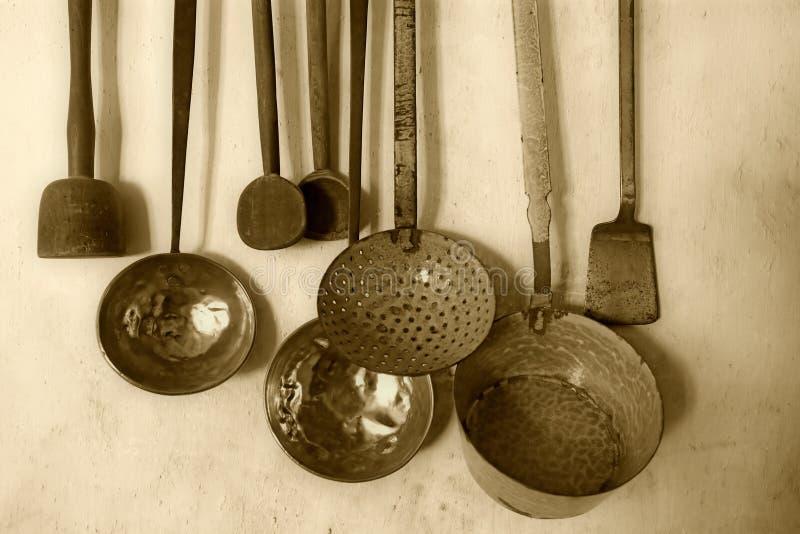 Utensilios De Cocina Antiguos Imagen de archivo - Imagen de objeto ...
