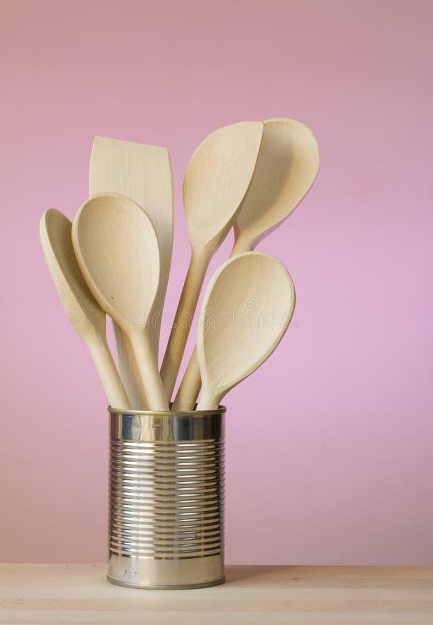 Utensilios de la cocina en una poder imagen de archivo