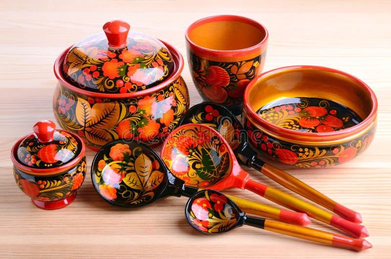 Utensilios rusos de la cocina del khokhloma imagen de archivo