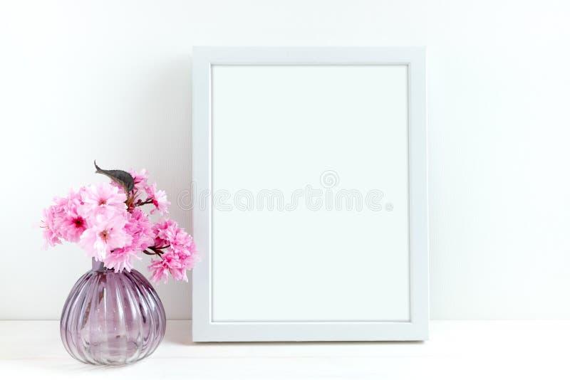 Utformat materielfotografi för rosa färger blomning royaltyfri bild