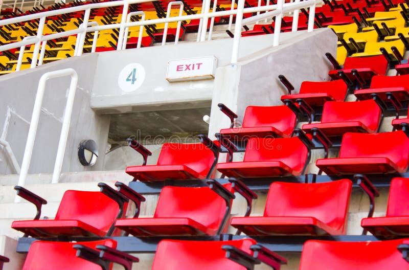 Utgångstecken på stadion. royaltyfri bild