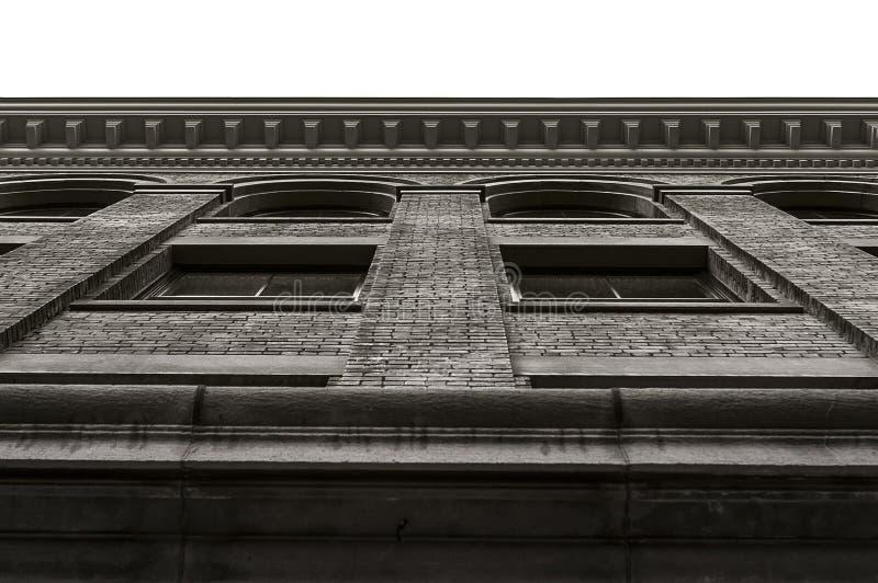 UTICA NY, USA - OKTOBER 02 2018: Doyle Hardware Building är en historisk fabriksbyggnad som byggs mellan 1881 och 1901 ett arbete arkivbild