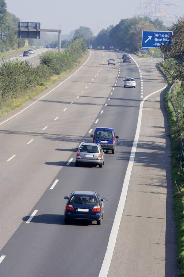 Utilisation non autorisée sur une autoroute à trois voies image stock