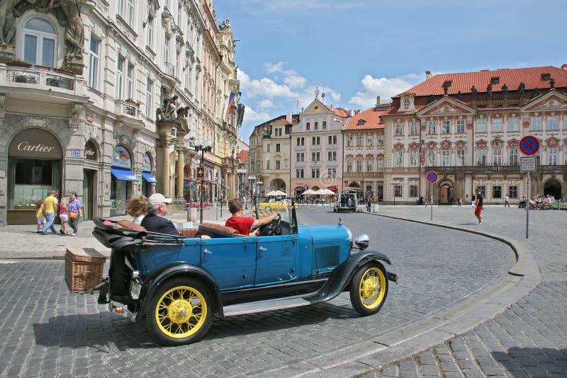 Utmärkta intryck av Prague semestrar royaltyfria bilder