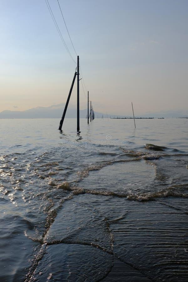 Uto, Sumiyoshi, Japón / 8 de septiembre de 2019: Nagabeta Fishery Tidal Road fotos de archivo libres de regalías
