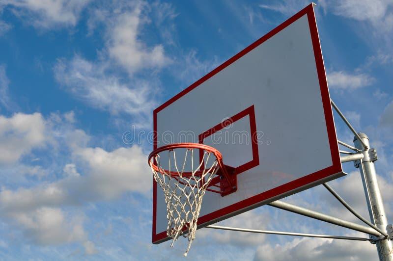 utomhus- övre för basketclosebeslag arkivbilder