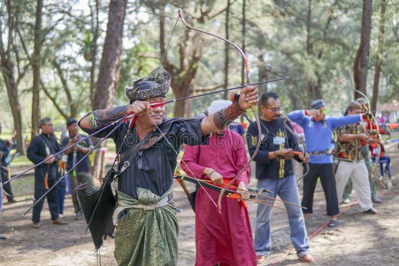 Utomhus- asiatiska malajiska traditionella lekar arkivfoto