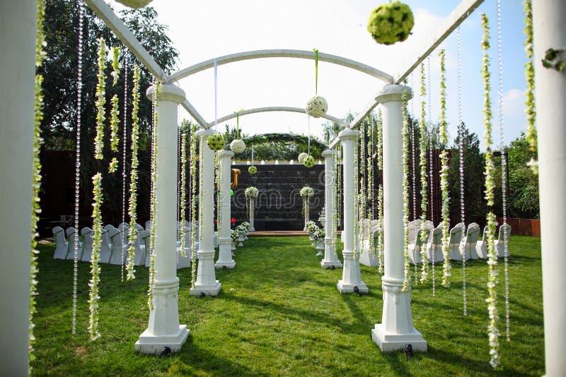 Utomhus- bröllopplats royaltyfri foto