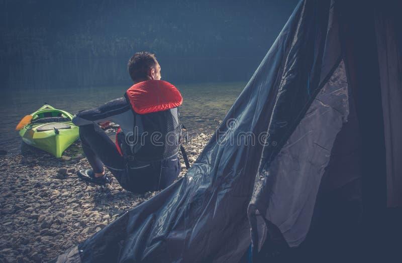 Utomhus- campa för idrottsman arkivbilder