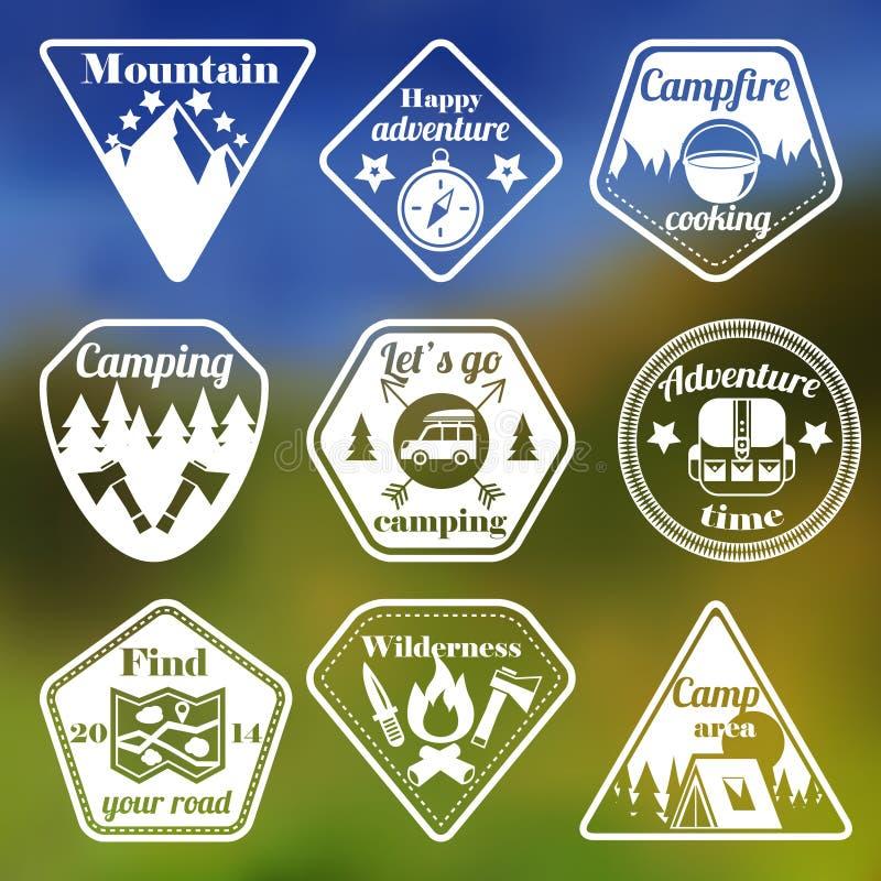 Utomhus campa plan emblemuppsättning för turism royaltyfri illustrationer