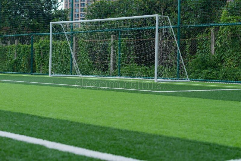 utomhus- fotboll för fält royaltyfria bilder