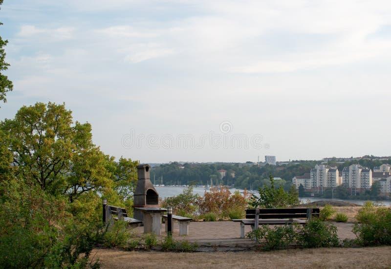 Utomhus- grillfestområde i Solna, Stockholm Sverige royaltyfria foton