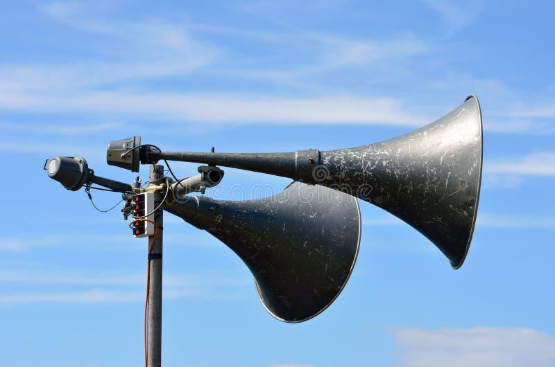 Utomhus- höga högtalare royaltyfri fotografi
