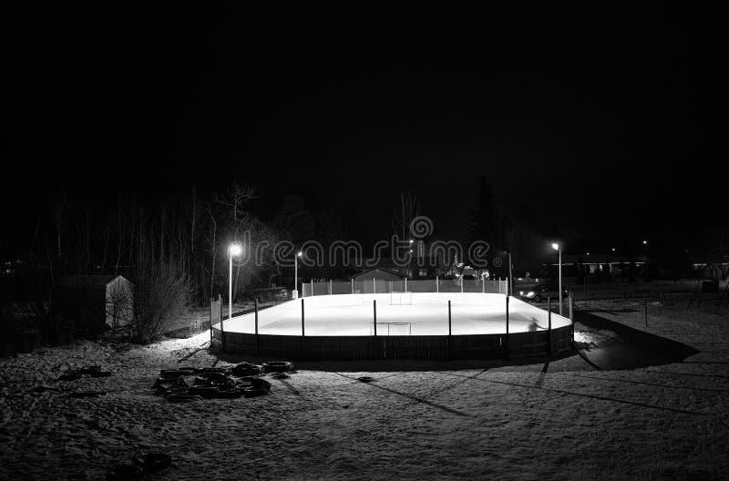 Utomhus- hockeyisbana arkivfoton