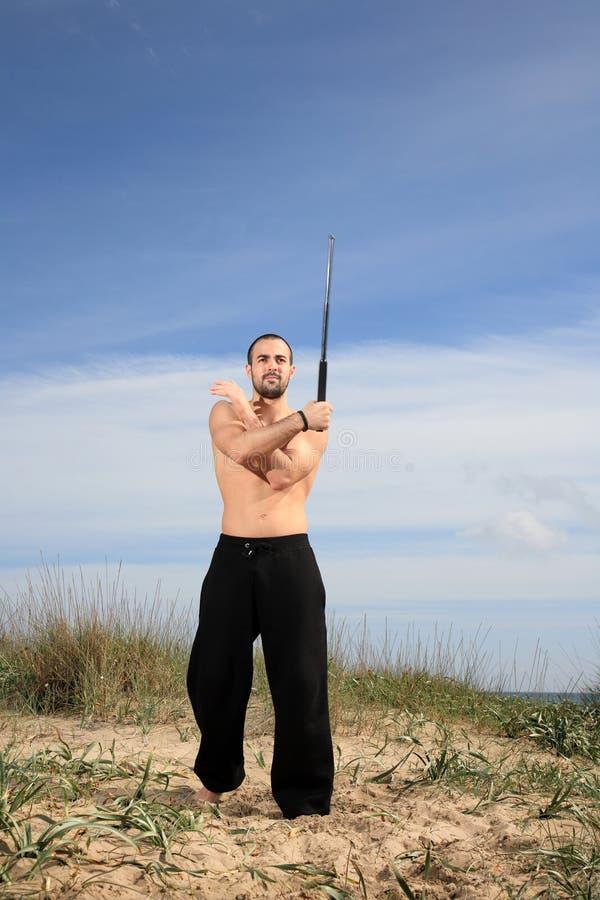 Utomhus- kampsportinstruktör royaltyfri foto